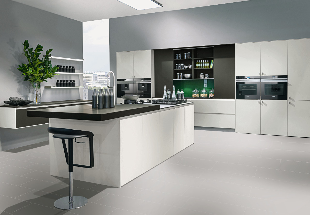 White & Ivory Coloured Kitchens | Contemporary Kitchens